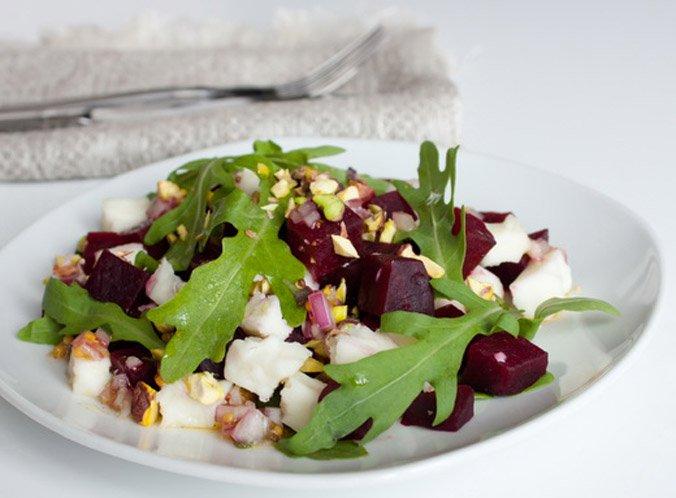 Фото салат со свеклой и сыром